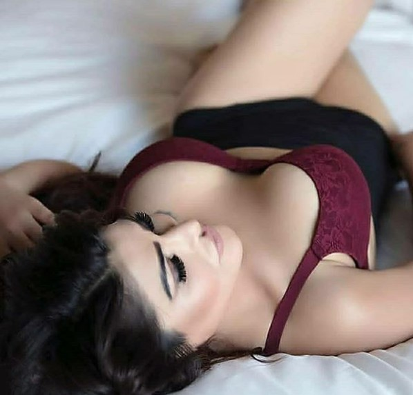 Heena Escorts