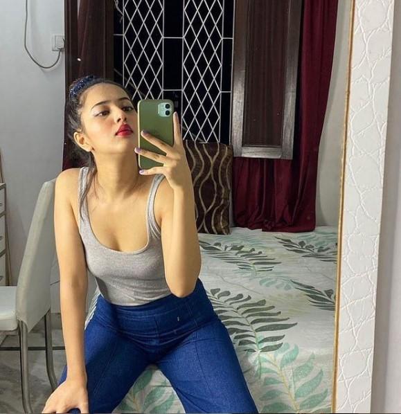 Naina Call Girl
