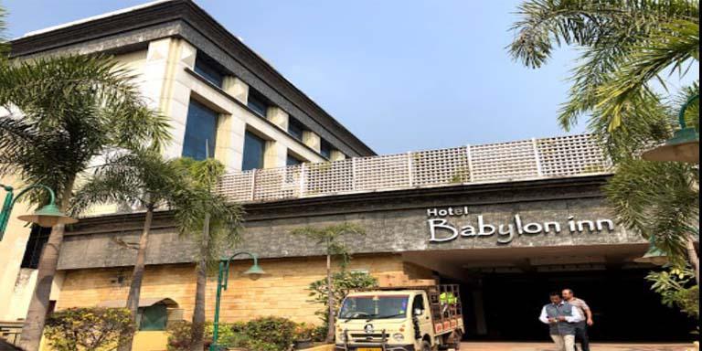 raipur escorts in hotel babylon Inn